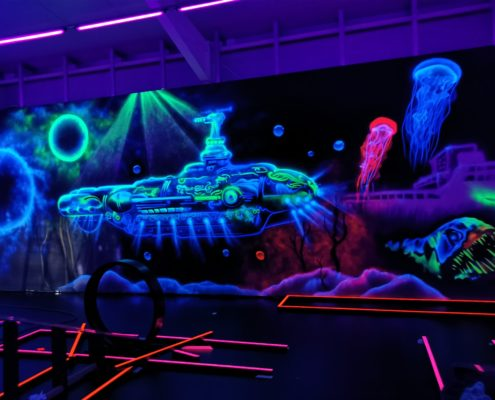Schwarzlichtgraffiti U-Boot